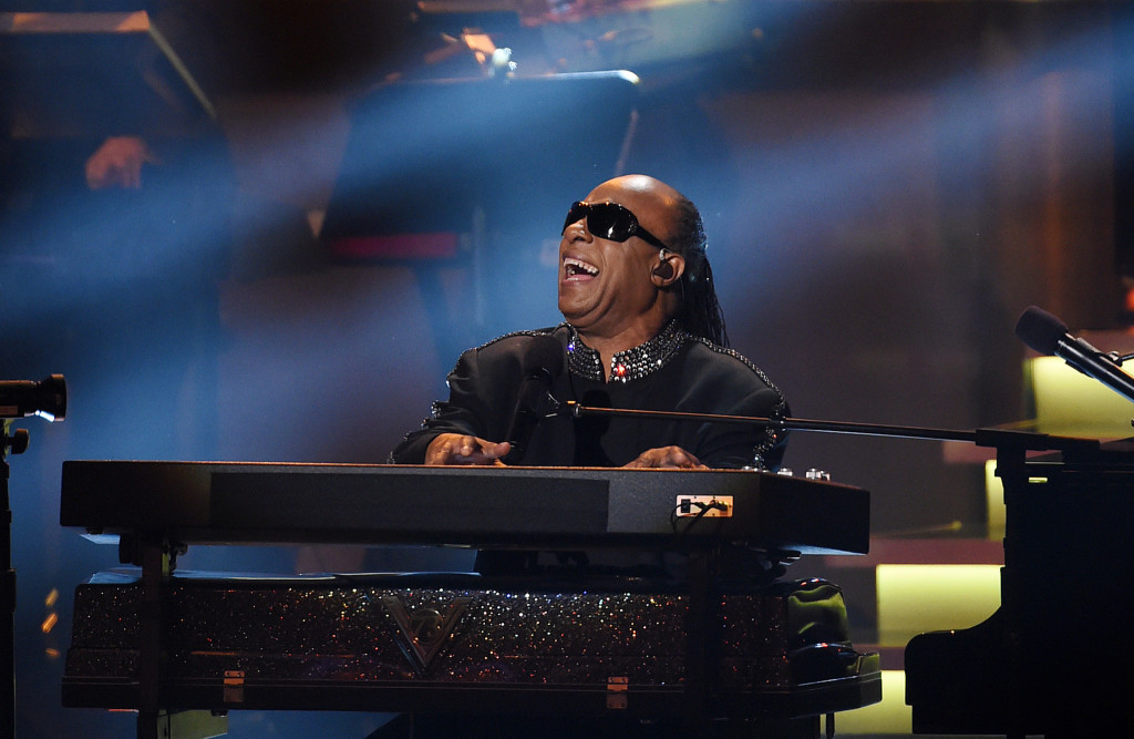 la-et-ms-stevie-wonder-20150212